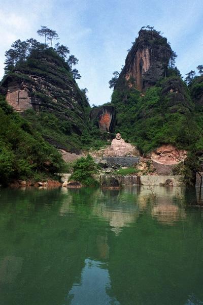 Gunung wuyi, indah dan bersejarah